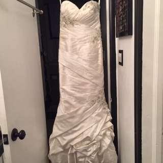WEDDING Dress Allure Size 8