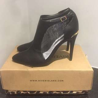 (39) NEW River Island Shoes
