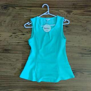 Valley Girl Light Green Top size S