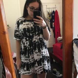 Black & White Tie Dye Look Smock Dress