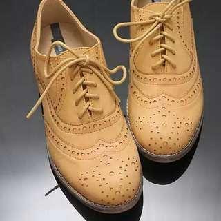 英倫風花紋皮鞋