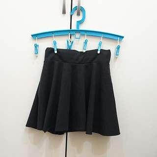 🚚 //降//黑色短褲裙 太陽裙