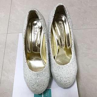 高跟鞋#六月免購物直接送