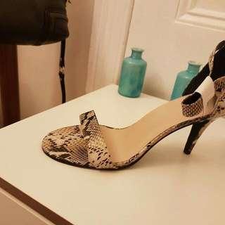Sandles Evening shoes Size 10
