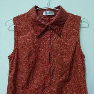 滿版小花紅色無袖襯衫