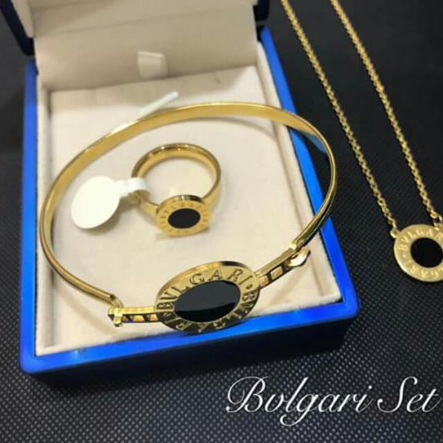 3in1 Stainless Bvlgari set💕 available size for rings: 6, 7 ,8  Price: 850.00 with plain box  👉pm in chat for order👈