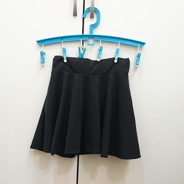 //降//黑色短褲裙 太陽裙