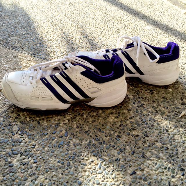AUTHENTIC ADDIDAS TENNIS SHOES ❤️
