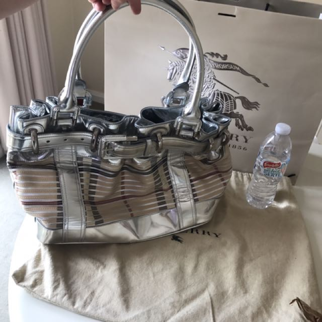 AUTHENTIC BURBERRY LARGE Sliced BEATON Check Bag Tote Silver Metallic Leather