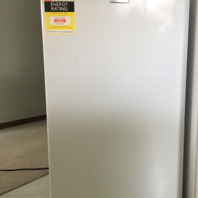 Bar Fridge 90L
