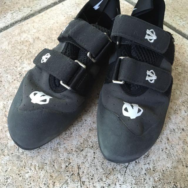 Evolv Clibing shoes