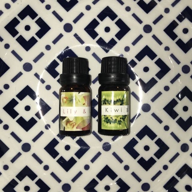 Lily & Lotus And/or Kiwi & Lime Dehumidifier Oil Essential