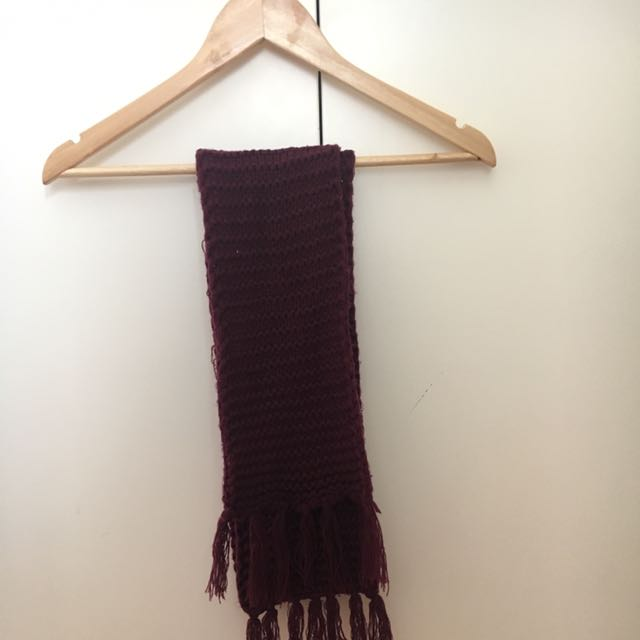 Long purple knitted scarf