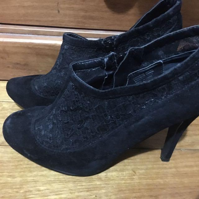 Low Lace Heels