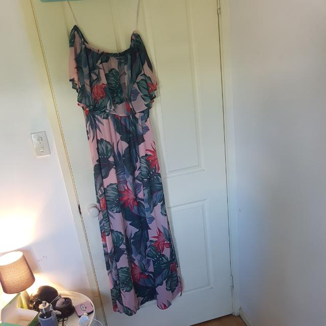 Maxi Dress Off The Shoulder/sleeveless Size 14