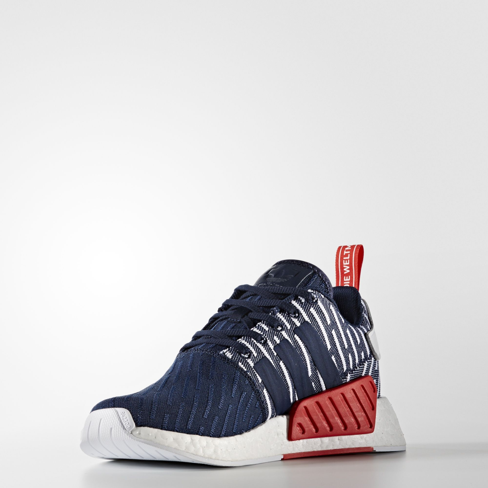 NMD R2 Primeknit Shoes Color Collegiate Navy Footwear White (BB2952 ... 907ff9decc