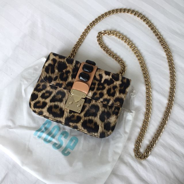 Nose Leopard Sling Bag