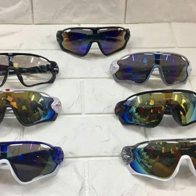 OAKLEY  JAW BREAKER w/ pouch price : 850 php