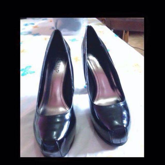 Shoes (pumps)