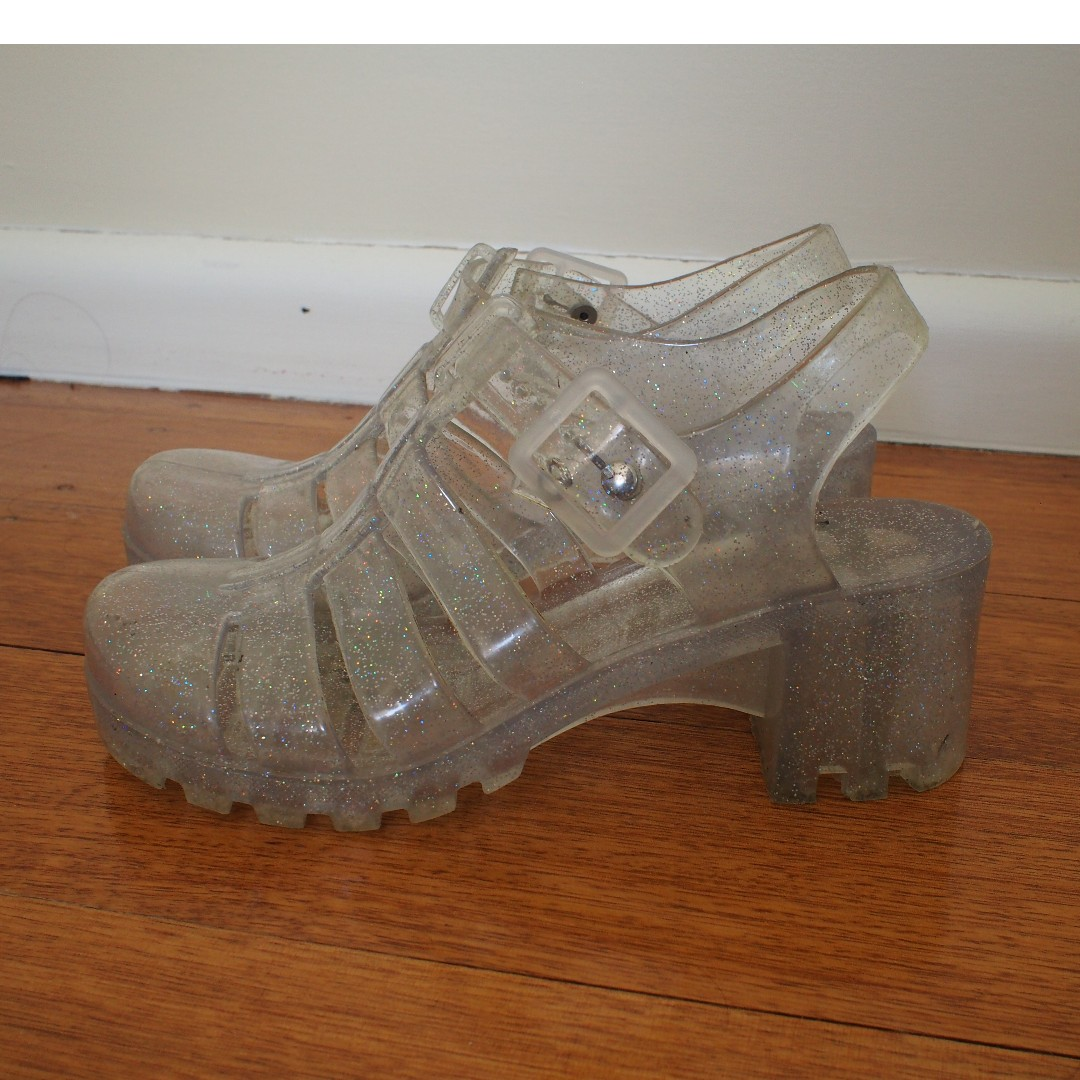 Size 6, jelly sandals