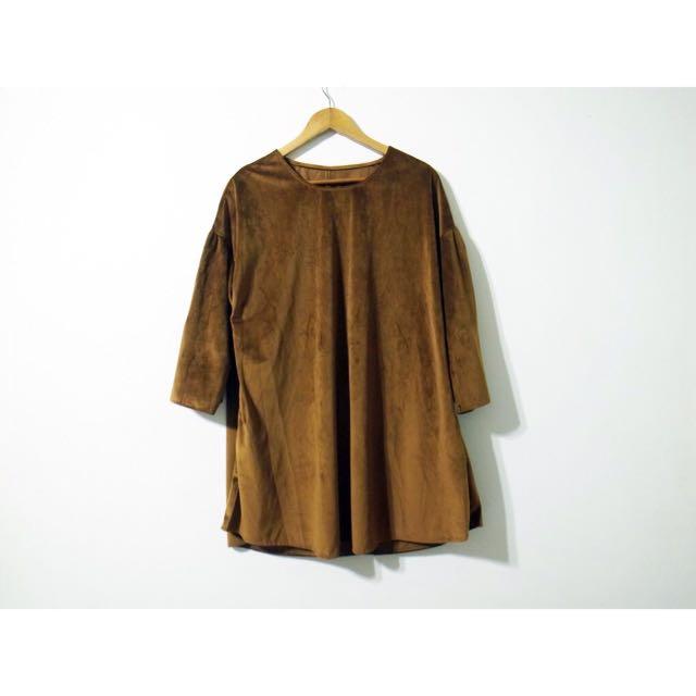 春季卡其色麂皮拋袖口袋長版t 洋裝