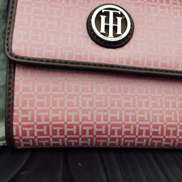 Tommy Hilfiger包包