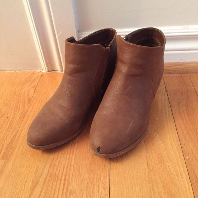 Urban Outfitter Ecote Boots