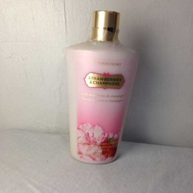 Victoria's Secret Strawberries And Champagne lotion