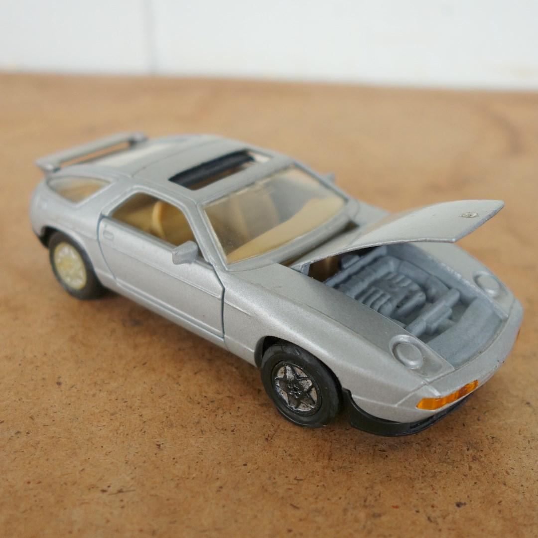 Vintage Sports Car Toy Rare Die Cast By Welly Porsche 928 Turbo