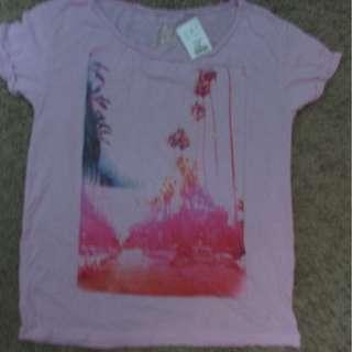 Womens Brand New Tshirts Med to XL