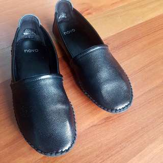 Novo Loafers