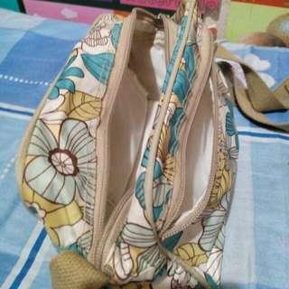Sisidlan brand sling bag