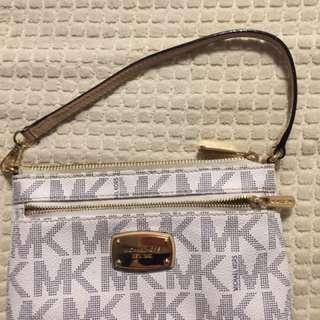 Authentic Michael Kors Jet Set Monogram Clutch/purse