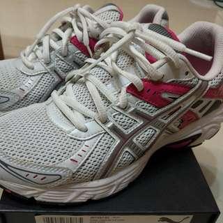 近全新Asics亞瑟士女用慢跑鞋US6.5