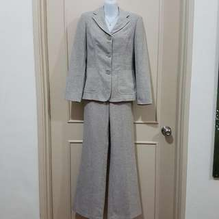 Agenda Beige/Brown Suit