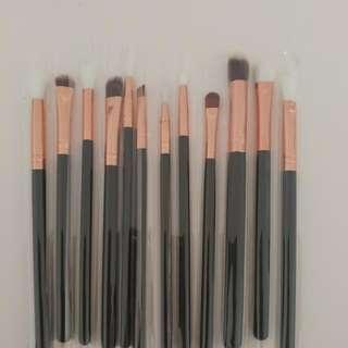 Eyeshadow Blending Brushes