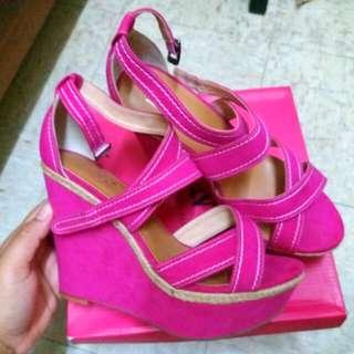 CNE, Lesaunda  Shoes Not Lv , Prada .nike ,Adidas. Puma
