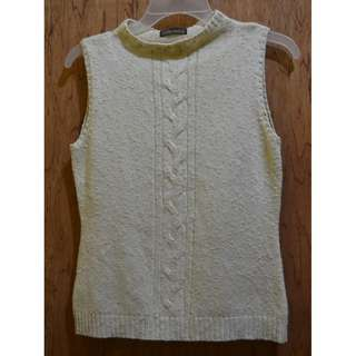 Light brown knitted sleeveless