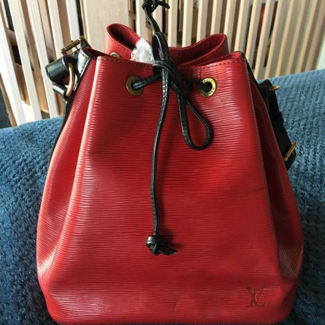 Authentic Louis Vuitton Pettit Noe Red Epi