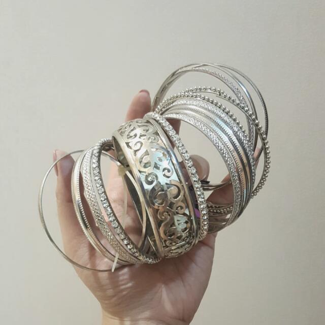 BNWT Multi Bangles Silver