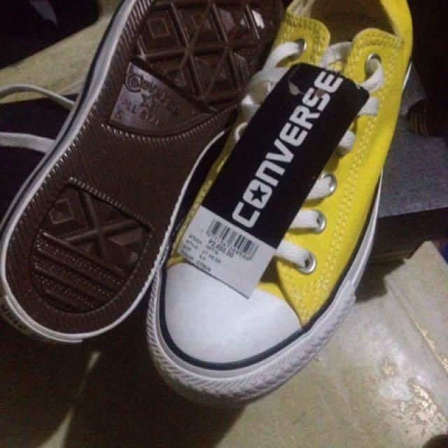 Converse Low Cut Yellow