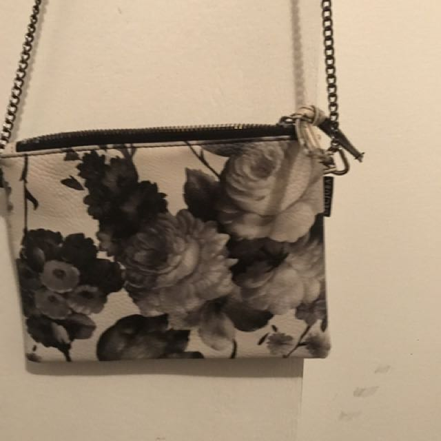 Decjuba Over Shoulder Floral Print Bag