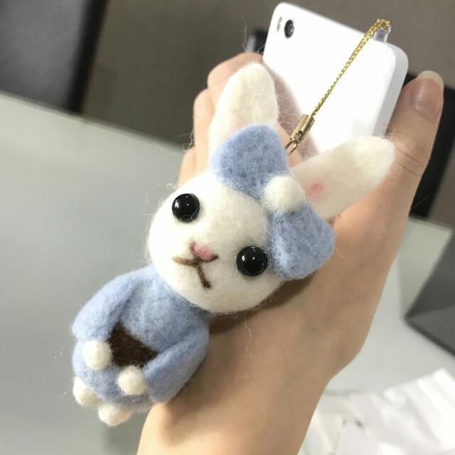 Felting Bunny Blue Kimono Phone Strap