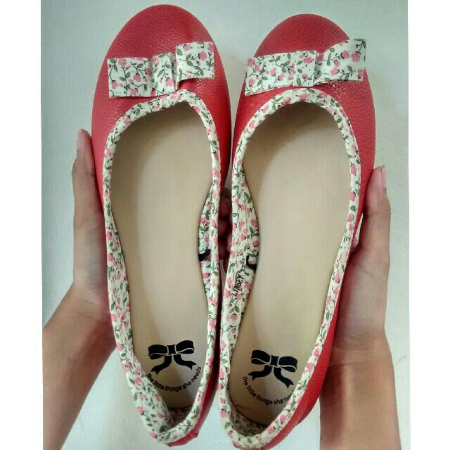 Flowery FlatShoes By Little Thing She Needs