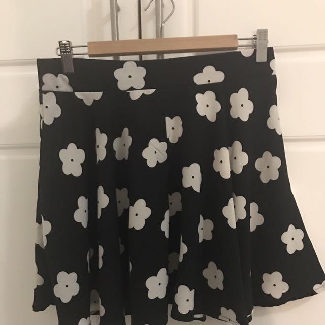 GLAMOROUS - Mini Floral Skater Skirt