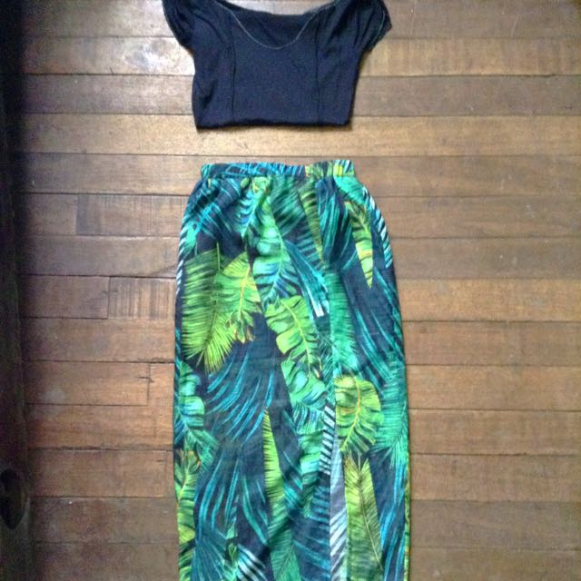 Hawaian Skirt ‼️repriced‼️