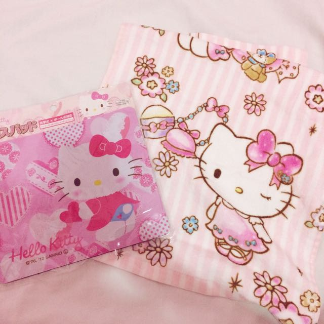 Hello Kitty Mouse Pad And Towel