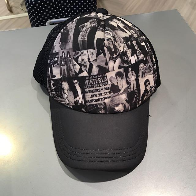 專櫃品牌moussy圖案印字帽子