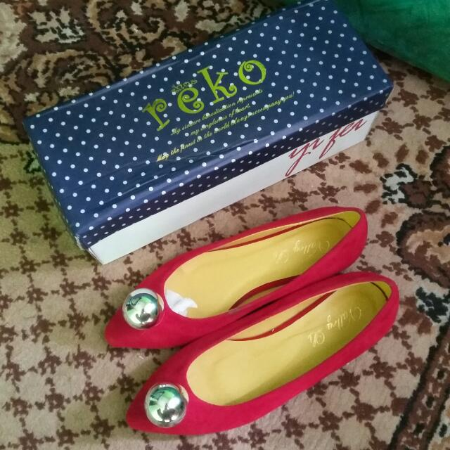 NEW Flatshoes Merah Size 36
