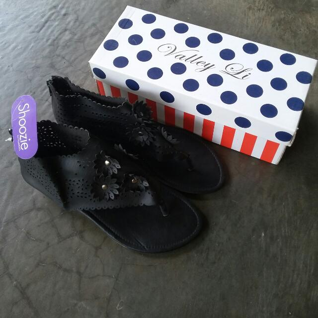 NEW sandal Hitam Size 37